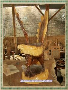 patung elang jepara