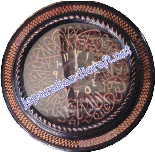 Gambar jam kaligrafi syahadat