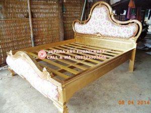Gambar Tempat Tidur Klasik Sephia Jepara 4 300x225