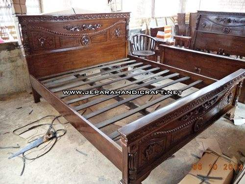Jual Furniture Dipan Jati Jepara Davinci Tambang Murah