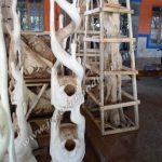 Hanger Kayu Antik Gentong