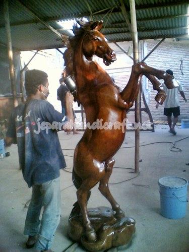 Jual Patung Kuda Jingkrak Real Size