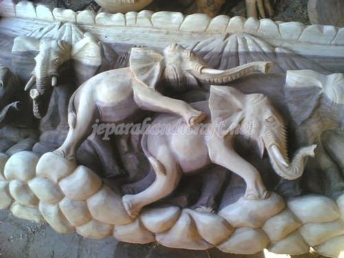Relief Gajah
