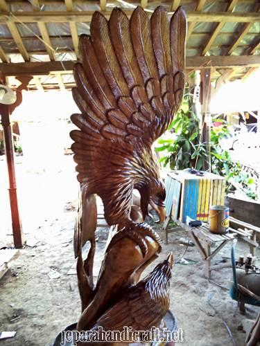 jual patung burung elang murah