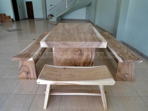 Jual Meja Trembesi Solid Wood Kombinasi Bangku Sate