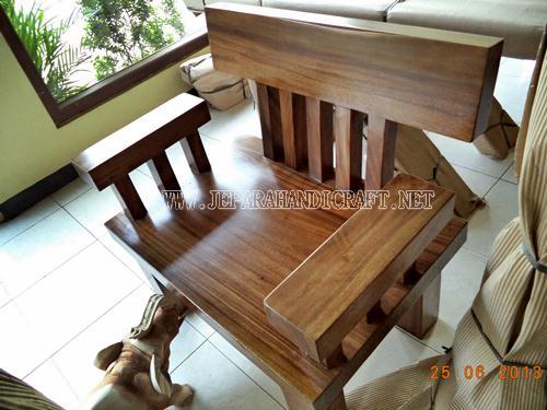 Gambar Kursi Tamu Minimalis Solid Wood Unnatural