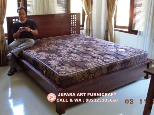 Gambar Tempat Tidur Minimalis Jati Kotak