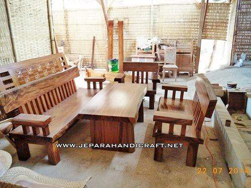 Gambar Kursi Tamu Antik Solid Wood Natural Trembesi 10
