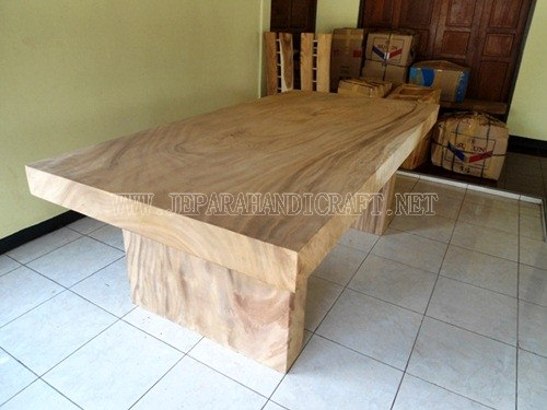 Gambar Meja Sold Wood Trembesi Unnatural