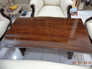 Furniture Murah Meja Tamu Solid Wood Trembesi