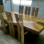 Meja Solid Wood Trembesi Unnatural 8 Kursi