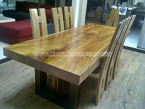 Gambar Meja Solid Wood Trembesi Unnatural 8 Kursi