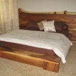 Tempat Tidur Antik Natural Trembesi
