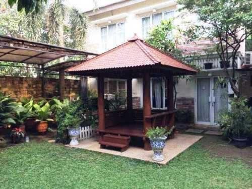 44 Desain Taman Rumah Dengan Gazebo Gratis Terbaik