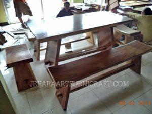 Gambar kursi makan minimalis sate natural 2 300x225