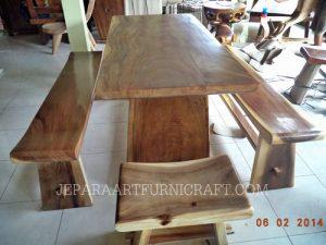 Gambar kursi makan minimalis sate natural 3 300x225