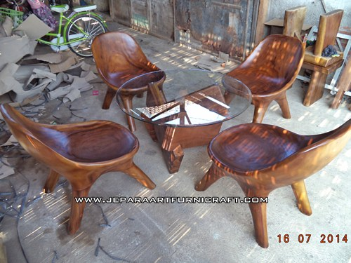 Gambar kursi tamu malas solid wood