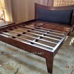 Tempat Tidur Minimalis Jati Tanduk