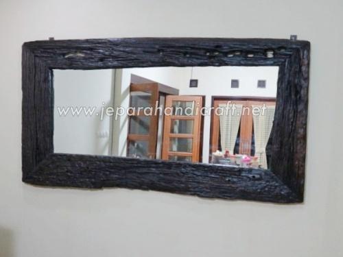 Gambar 13.01.01 Cermin Antik Kayu Rel 10