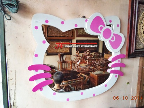 Gambar Cermin Aksesoris Hello Kitty Cantik 1