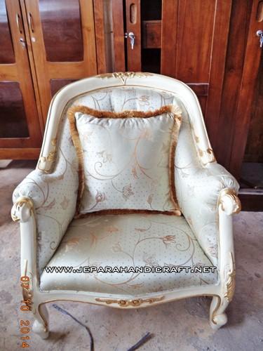 Gambar Sofa Tamu Mewah French Louis Armchair 1