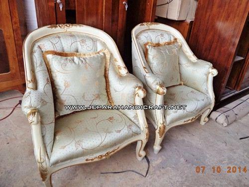 Gambar Sofa Tamu Mewah French Louis Armchair 2