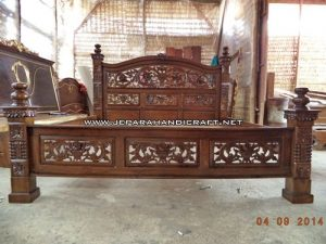 Gambar Tempat Tidur Jati Rahwana Krawang 3 300x225