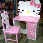Meja Belajar Hello Kitty