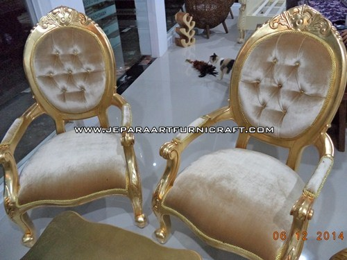 Gambar Sofa Mewah Classic Cameo Gold Concerto 6