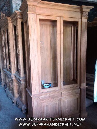 Model Lemari Hias Ruang Tamu Kolonial 2 Pintu
