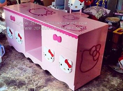 Gambar Bufet Minimalis Hello Kitty Pink