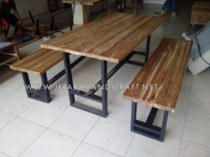 Meja Makan Jati Antik Recycled Iron