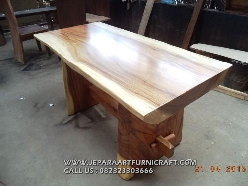 Meja Makan Solid Trembesi Natural 150×80 Cm