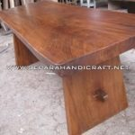 Meja Makan Solid Trembesi Natural 200×90 Cm