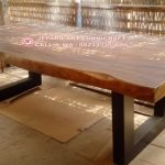 Meja Makan Trembesi Alami 250 x 100 Cm