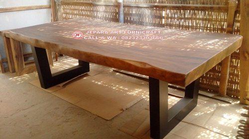 Gambar Meja Makan Trembesi Alami 250x100 Cm 2