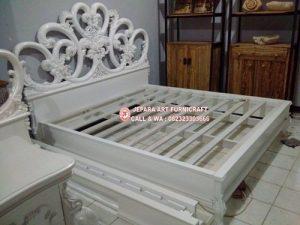 Tempat Tidur Minimalis Mewah Love
