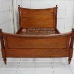 Tempat Tidur Minimalis Jati Lengkung