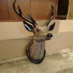 Patung Hewan Kepala Rusa