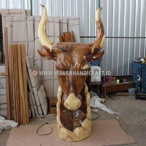Patung Antik Kepala Banteng