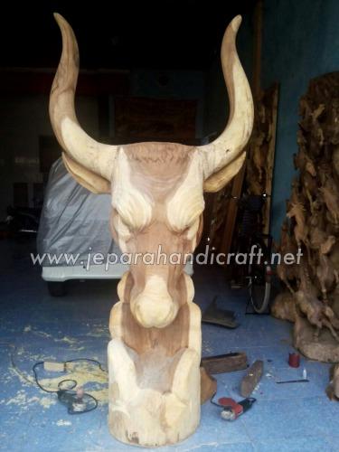 Gambar Patung Antik Kepala Banteng 2