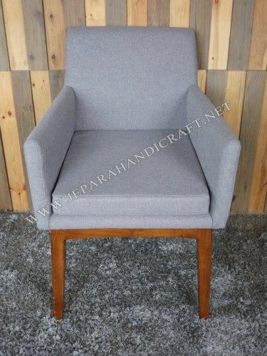 Kursi Makan Minimalis Alpha Arm Chair