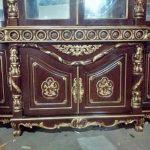 Lemari Hias Ruang Tamu Ukir Davinci Pintu 4 Emas