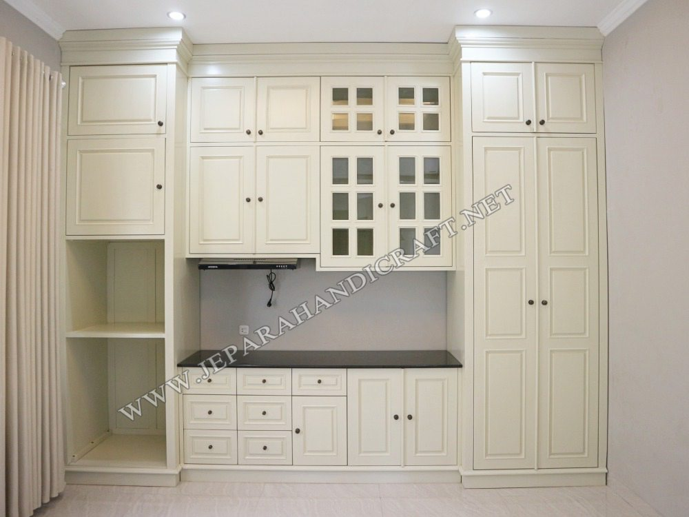 American Classic Furniture Kitchen Set
