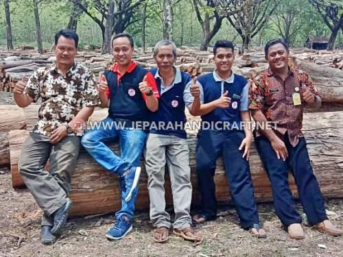 Tim Jepara Art Furnicraft Berkunjung Di TPK Perhutani Ngawi