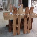 Project Set Meja Makan Bapak Hengtono Semarang
